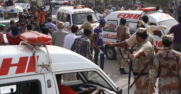 Ülke şokta! Yolcu otobüsüne silahlı saldırı: 14 ölü