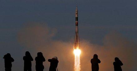 Rusya'nın Soyuz MS-11 uzay aracı uzaya fırlatıldı