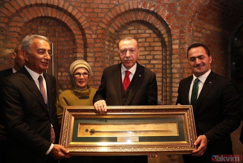 Başkan  Erdoğan Macaristan'da Minyatürlerle Osmanlı Devri Türk Okçuluğu sergisini ziyaret etti