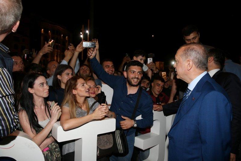 Cumhurbaşkanı Erdoğan, Taksim Camii İnşaatını ve AKM'yi inceledi