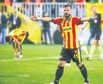 Göztepe'de 31 golün 3'ü golcülerden!