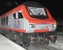 Bakü'den yola çıkan ilk tren Kars'a ulaştı