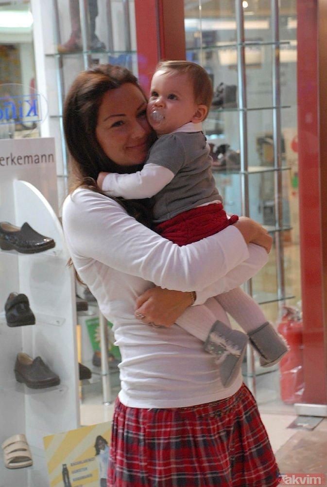 Sibel Can ve kızı Melisa Ural'ın yeni fotoğrafları olay oldu! O kareler 'estetik mi yaptırdı' dedirtti