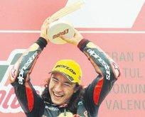 Can Öncü Moto GP'de şampiyonluğa ulaştı