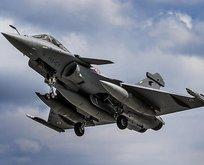 Fransa'da savaş uçağı radardan kayboldu!