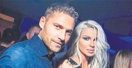 İhanetin perde arkası aralandı! Dusko Tosic'in eşi Jelena Karleusa'ya bin adet kırmızı gül