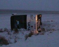 Aksaray'da yolcu otobüsü devrildi!