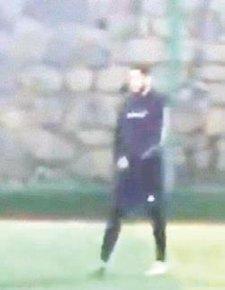 Fenerbahçeli Benzia halı saha maçı yaparken görüntülendi!