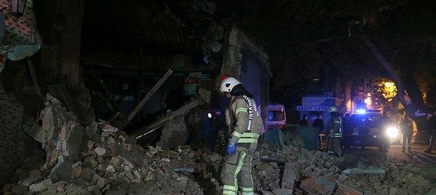 Son dakika: Beyoğlu'nda tek katlı metruk bina çöktü