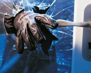 Evine hırsız girdi zararı komşularına ödetti