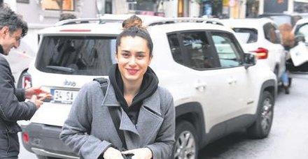 Hande Doğandemir, önceki gün Nişantaşı City's çıkışı objektiflere takıldı