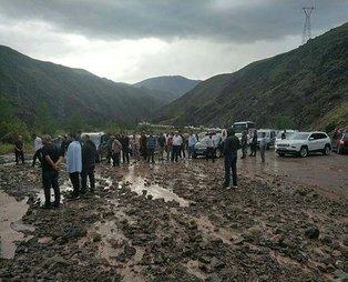 Son dakika: Erzurum - Artvin kara yolunda heyelan!