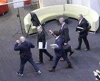 Ülke şokta! Devlet televizyonuna polis baskını