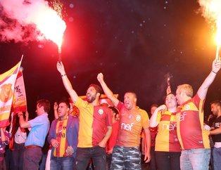 Galatasaray 21. kez Türkiye'nin en büyüğü oldu. İşte yurt çapında  şampiyonluk kutlamaları