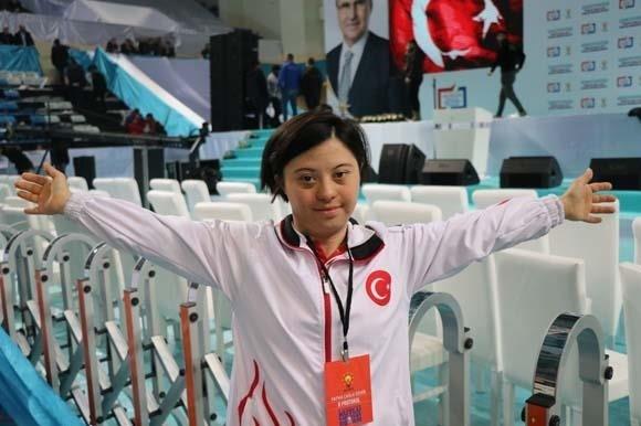 Demir Aşkı Ile Ailesi Arasında: Fatma Çağla Demir, Başkan Erdoğan Ile Arasında Geçen