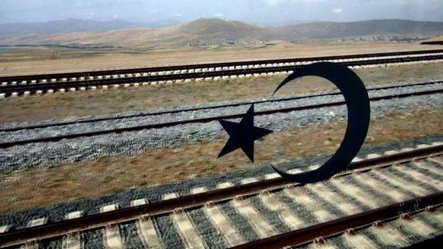 Bakü-Tiflis-Kars demiryolu hattının ilk seferi!