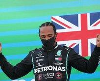 Lewis Hamilton'dan tarihi başarı