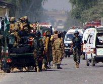 Pakistanda çifte bombalı saldırı
