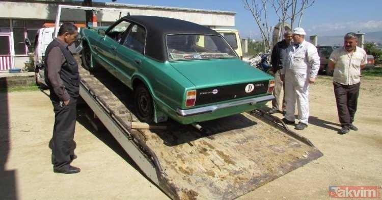 Görenler şaştı kaldı... Duvarı kırıp Ford Taunus arabasını çıkardı!