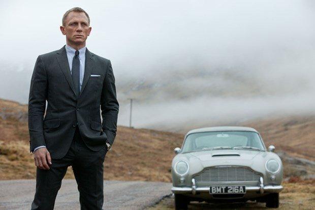 Apple ve Amazondan James Bond savaşı