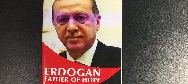Somalili gençler Cumhurbaşkanı Erdoğanın kitabını yazdı