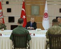 Başkan Erdoğan iftarını askerlerle açtı
