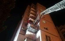 İzmir'de hareketli gece! 11 katlı bina boşaltıldı