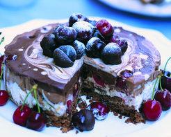 Kirazlı Çikolata Pasta Tarifi