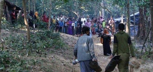 İnsan Hakları İzleme Örgütü, Arakan'da bin 500 evin Myanmar güvenlik kuvvetleri güçleri tarafından yakıldığını kanıtlayan uydu fotoğraflarını yayınladı.