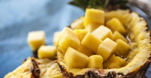 Ananas her derde deva