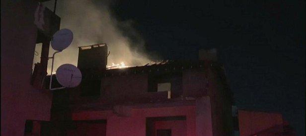 Son dakika: Kadıköy'de çatı katı alev alev yandı