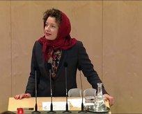 Avusturyalı vekilden Meclis'te başörtülü protesto