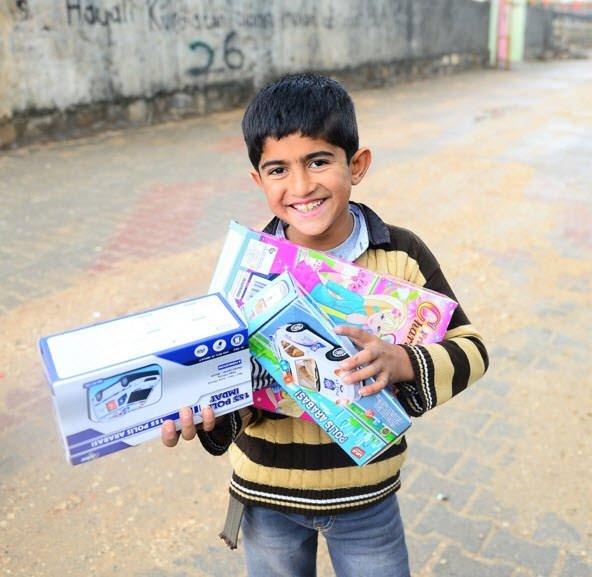 Şırnakta terör mağduru çocukların oyuncak sevinci