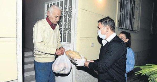 Ergün Penbe kapı kapı gezip yardım dağıttı