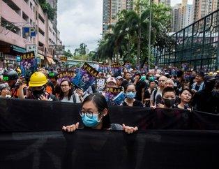 Hong Kong'da hükümet karşıtları sokağa döküldü