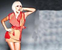 Gaga sepete girdi