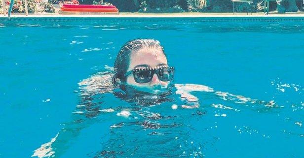 Havuz kızı Rachel