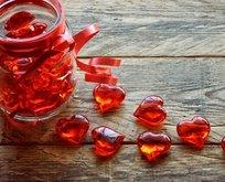 Eşe, nişanlıya, kız erkek arkadaşa Sevgililer Günü mesajları