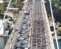 Yüzlerce motosikletli 29 Ekim'de Köprü'den geçip oraya gitti