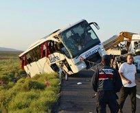 Yolcu otobüsü devrildi: Onlarca yaralı var