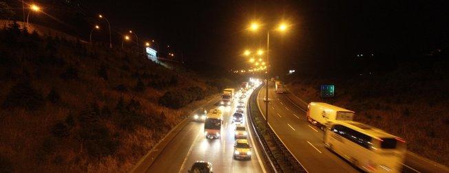 TEM Otoyolu'nda bayram trafiği   30 kilometre boyunca...