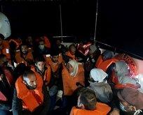 Türk kara sularına itilen 24 sığınmacı kurtarıldı!