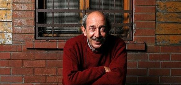 Tiyatro ve sinema oyuncusu Ayberk Atilla 71 yaşında yaşamını yitirdi.