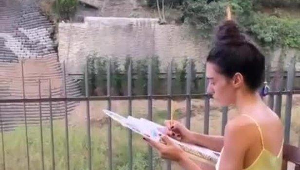 Sinan Akçıl ile boşanan Burcu Kıratlı'dan çok konuşulan poz: Yıldızlar yanında sönük kalır!