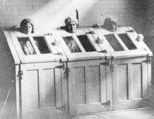 Eski akıl hastanelerinde çekilen kareler görenleri hayrete düşürüyor