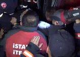 Düzce'de otobüs, otoyolda hatalı dönüş yapan TIR'a çarptı: 2 ölü, 35 yaralı