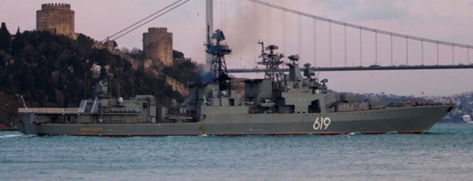 Karadenizde Soğuk Savaş Rus Savaş Gemisi Istanbul Boğazından Geçti