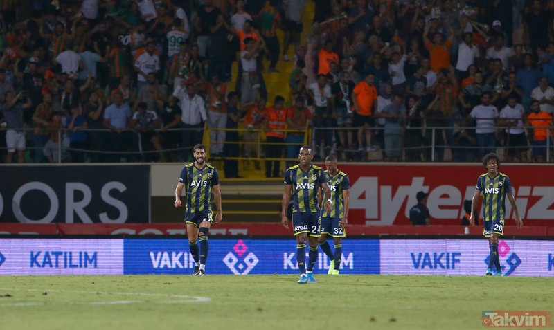 Fenerbahçe'nin yediği hatalı goller sonrası Ersun Yanal çılgına döndü! Kulübede...