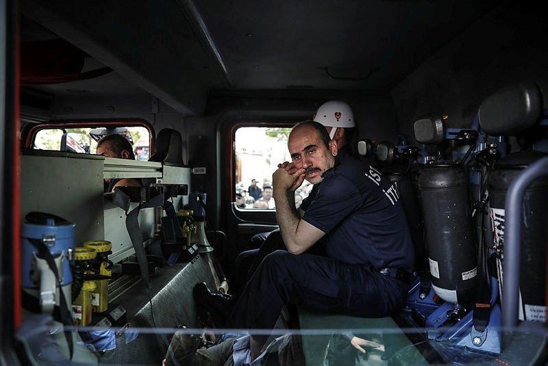 Şehit itfaiyeci Taner Çebi için İstanbul İtfaiyesi'nde tören düzenlendi