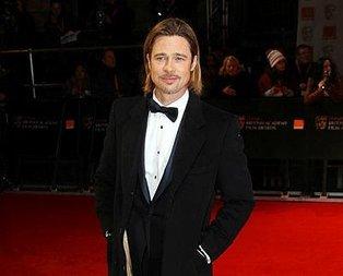 Angelina Pitt'ti!